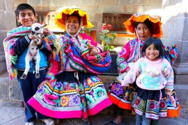Should you pay to have people pose in photos in Peru?