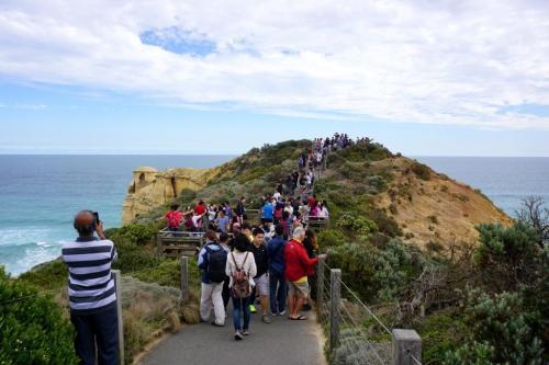 Crowds 12 Apostles lookout Australia
