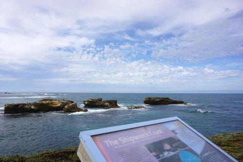 Shipwrecks a reasons to drive Great Ocean Road