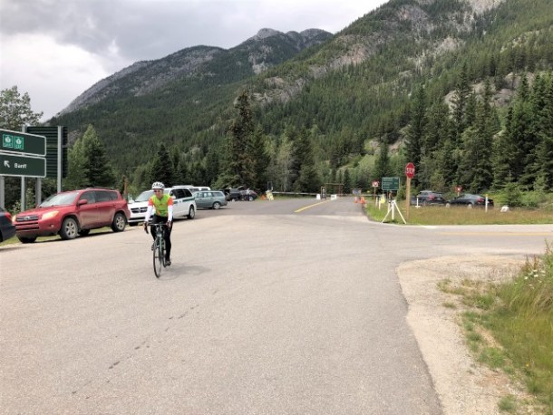 cyclist at East Gate Bow Valley Parkway