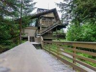 Glacier Bay Lodge exterior