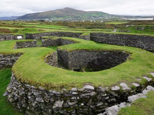 Leacanabuaile Stone Fort with Cahersaveen in the background