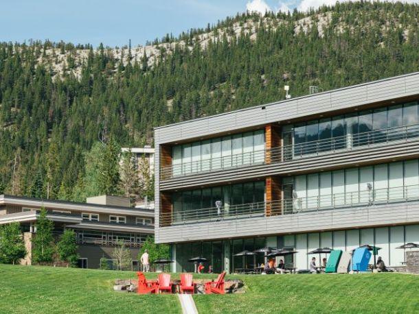 Maclab bistro Banff Centre