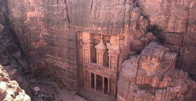 Petra jordan view of the Treasury