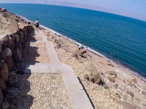 The long walk down to the Dead Sea