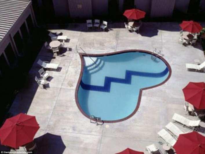 بالصور : حمامات السباحة الأكثر غرابة على مستوى العالم 9