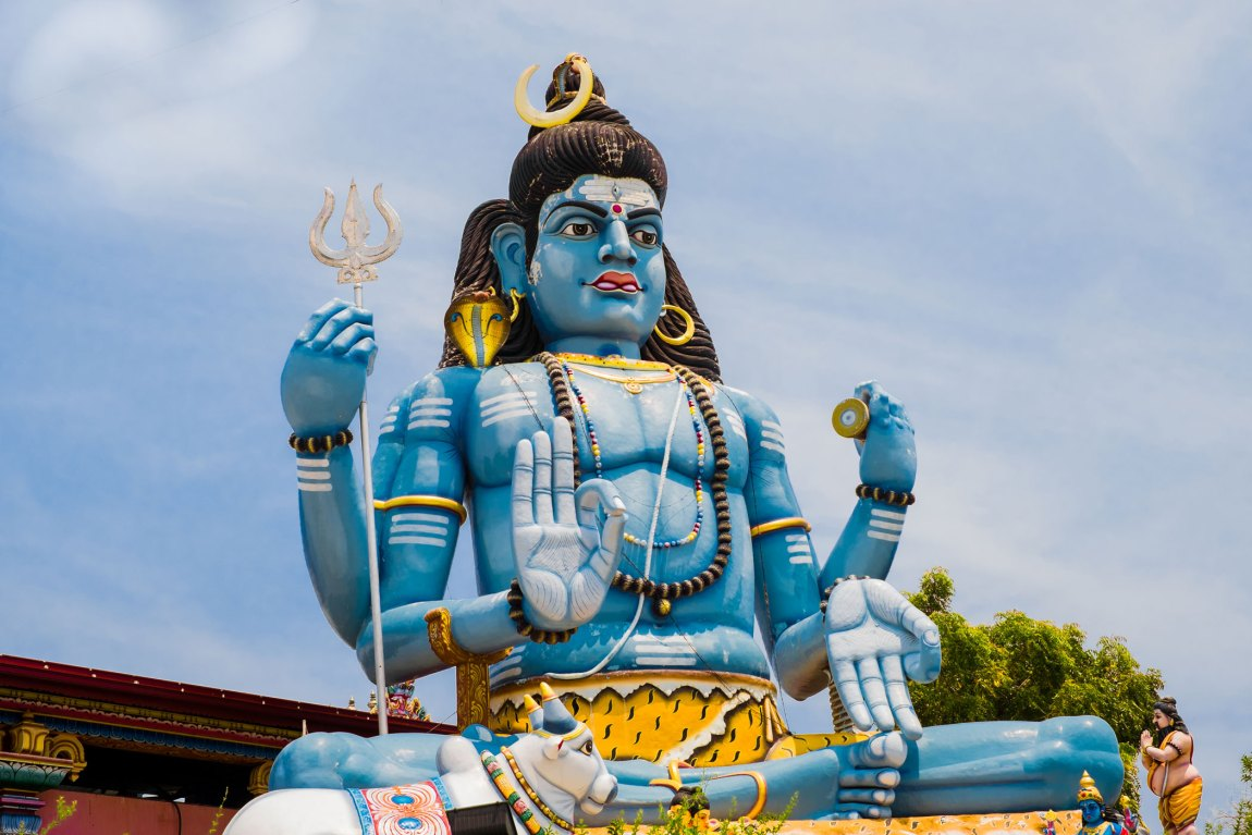 Statue of Shiva at Koneswaram Temple.