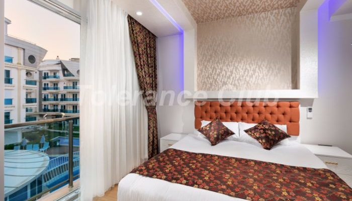 Melda Palace bedroom