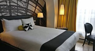 Hotel Indigo bedroom