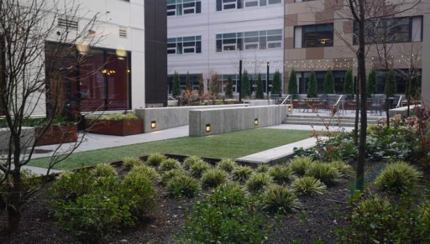 Even Hotel Seattle garden