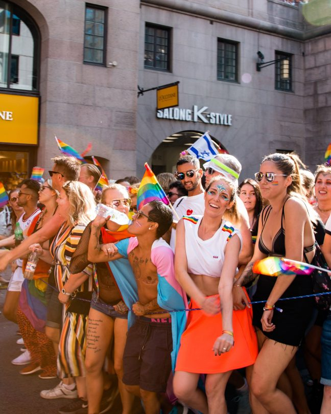 gay pride traveltherapists blog giappone elina e marzia blogger miglior blog di viaggio nomadi digitali psicologia del viaggio travel therapy