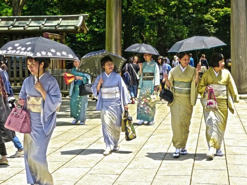 donne in kimono a tokyo