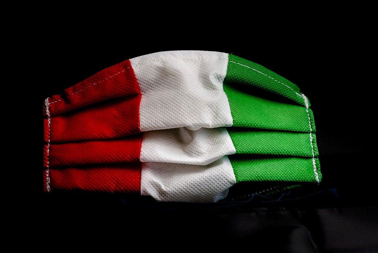 covid traveltherapists 2 italia bandiera mask Il mio viaggio in Giappone traveltherapists blog giappone elina e marzia blogger miglior blog di viaggio