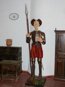 consuegra mulino sancho traveltherapists don chisciotte ruta don quijote statua