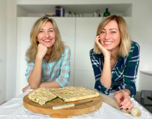 cristina baldi marina Shalagaeva mamma mia che buono food blog italia russia cucina italiana traveltherapists erbazzone sorriso