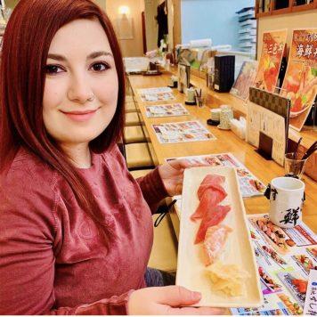 tsukiji-market-traveltherapists-elina-sushi-il mio viaggio in giappone Cibi giapponesi che devi provare