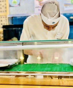tsukiji-market-traveltherapists-sushi-il mio viaggio in giappone chef di sushi