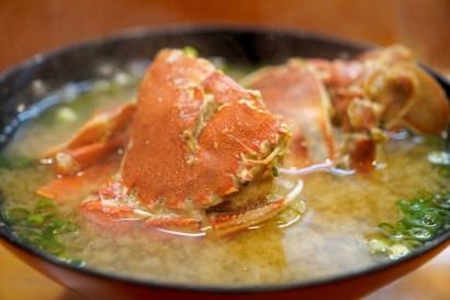 la zuppa di miso con crostacei perché i giapponesi non ingrassano pasto giapponese il mio viaggio in giappone traveltherapists miglior blog di viaggio