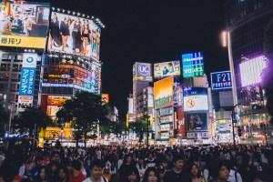 tokyo di notte shibuya-crossing-il mio viaggio in giappone traveltherapists blog giappone miglior blog di viaggio