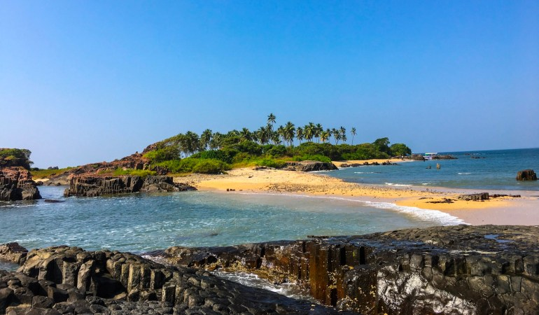5 Romantic Secret Islands in India