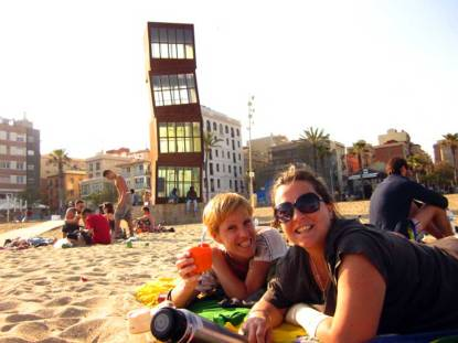 Drinking mate on the beach - BARCELONETA