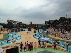 東京サマーランド 流れるプール