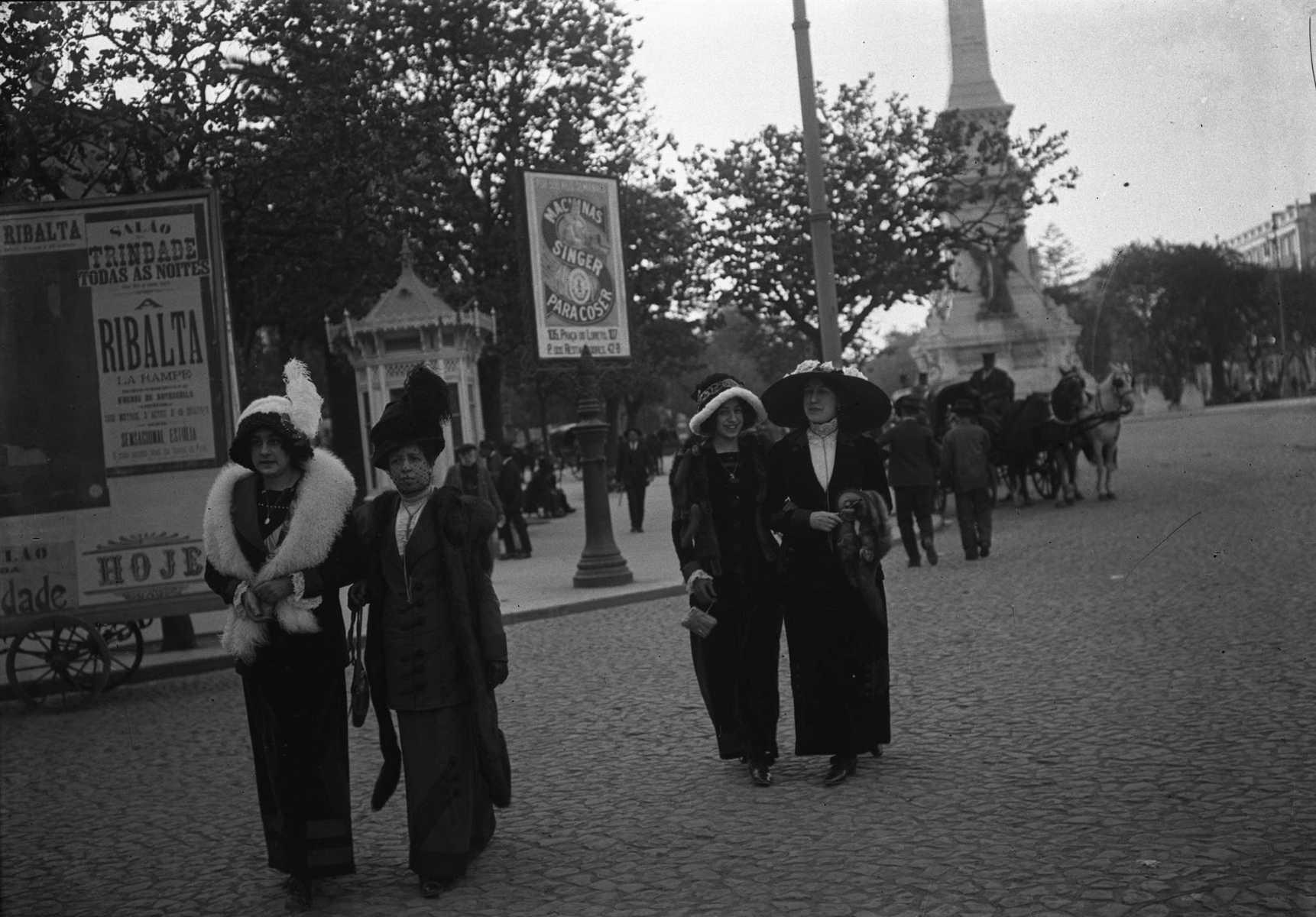 old avenida da liberdade
