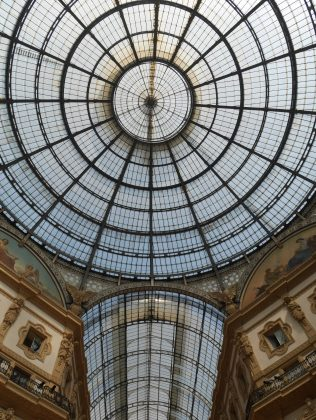 galleria vittorio emanuele Milan italie italy citytrip europe blog voyage travel traveltothemoonandback travel to the moon and back