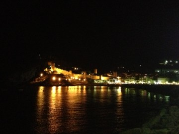 Platja Gran and the Old Town at night