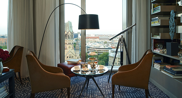 Perfect view on the top floor ((Image Source: Waldorf Astoria / waldorfastoriaberlin.com)