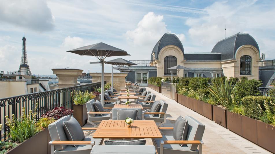L'Oiseau Blanc Restaurant is located at rooftop (Image Source: The Peninusla Paris / paris.peninsula.com)