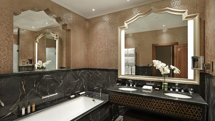 Luxurious marble bathroom (Image Source: Waldorf Astoria Ras Al Khaimah / hilton.com)
