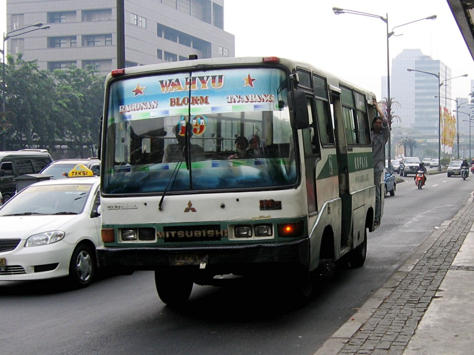 The rambling bus system of Jakarta is very complicated (Image Source: Wikipedia / wikipedia.org)