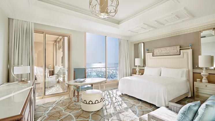 Even the Classic Room is spacious (Image Source: Waldorf Astoria Ras Al Khaimah / hilton.com)