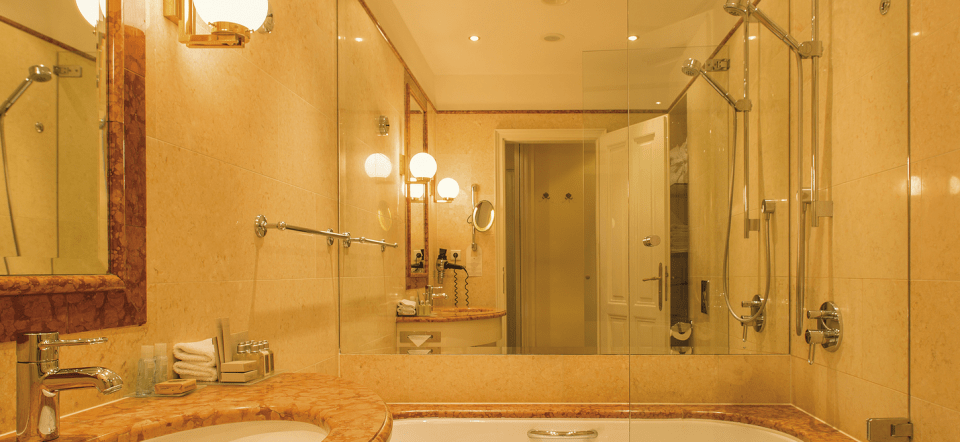 The bathroom was one of the smallest I ever had at a luxury hotel (Image Source: Le Palais Prague - lepalaishotel.eu)