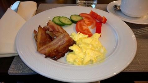 Freshly prepared scrambled eggs