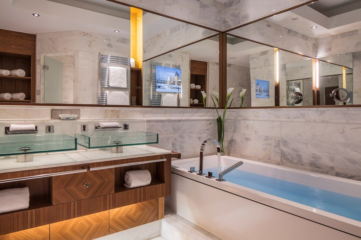 Modern and luxurious bathroom may be found in all rooms (Image Source: The Leading Hotels of the World / lhw.com)
