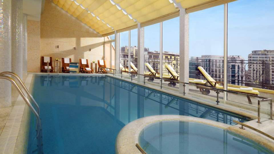 Swimming with a view at the Luxury Collection Hotel (Image Source: Hotel Bristol Odessa / hotelbristolodessa.com)