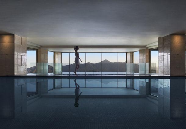 Indoor Pool (Image Source: JW Marriott Mussooire Walnut Grove Resort / marriott.com)