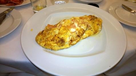 Showdown: Omelet in the breakfast restaurant