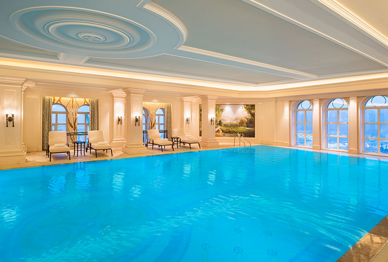 Pool (Image Source: The Castle Hotel Dalian / starwoodhotels.com)