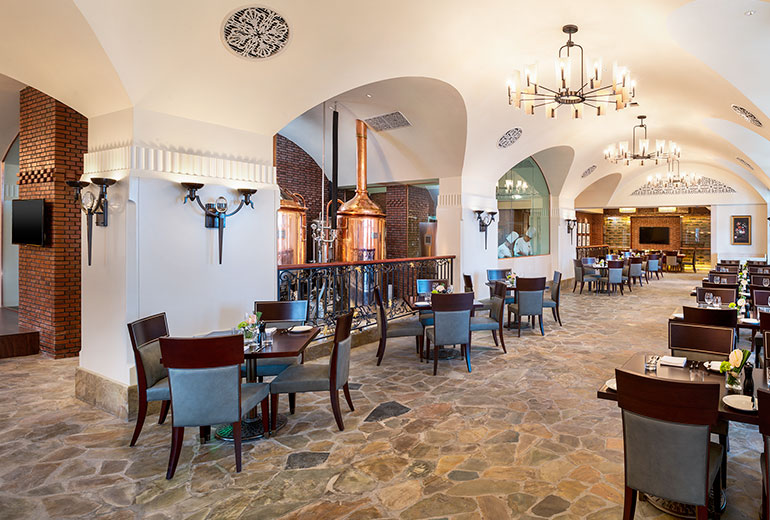 The Royal Cellar (Image Source: The Castle Hotel Dalian / starwoodhotels.com)