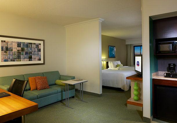 (Image Source: Springhill Suites Newark / marriott.com)