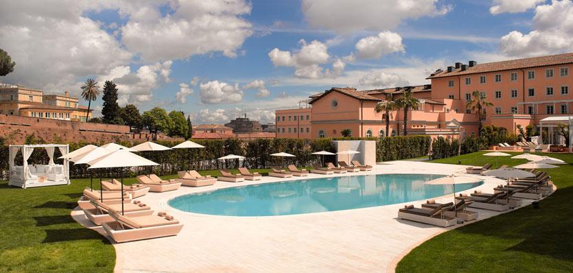 Outdoor Pool (Image Source: Gran Meliá Rome / melia.com)