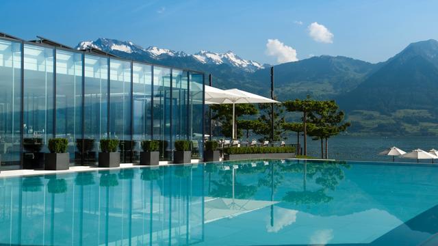 Pool (Image Source: Park Hotel Vitznau / parkhotel-vitznau.ch)