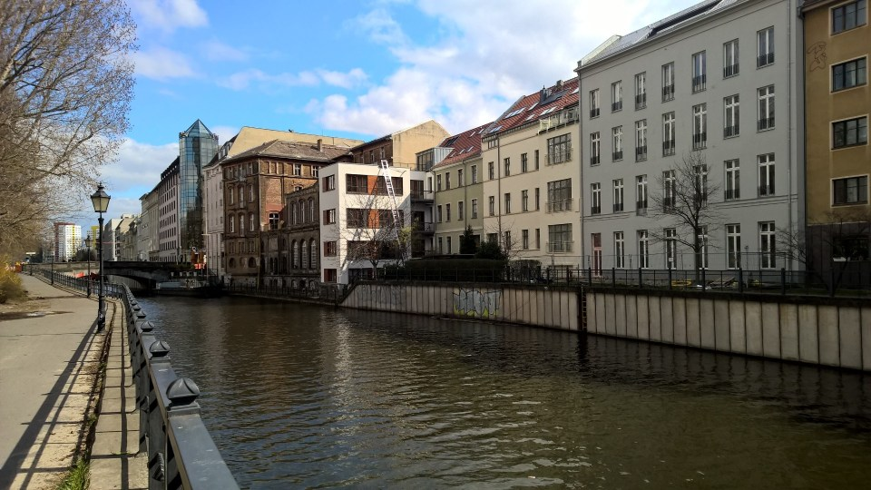 Residential areas right on the Spree