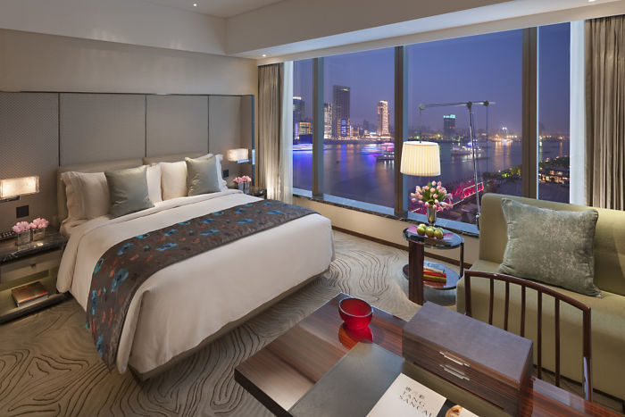 Mandarin Oriental Shanghai Deluxe Room