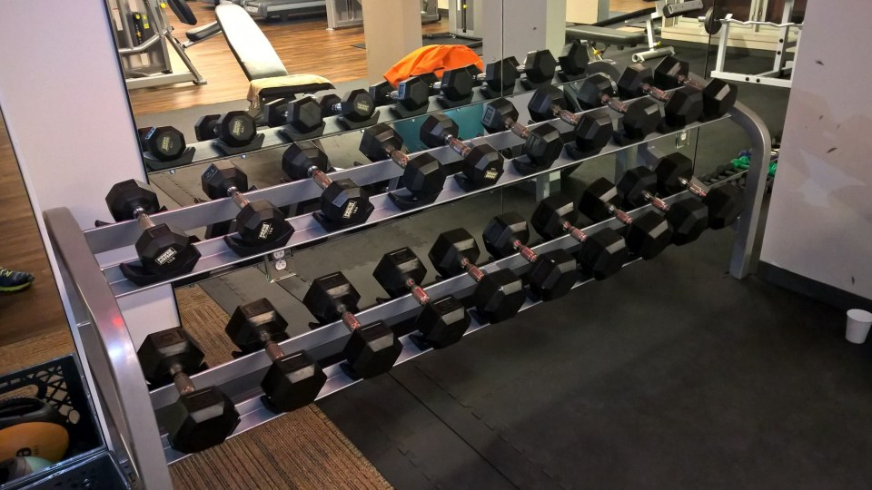 There were several free weights available