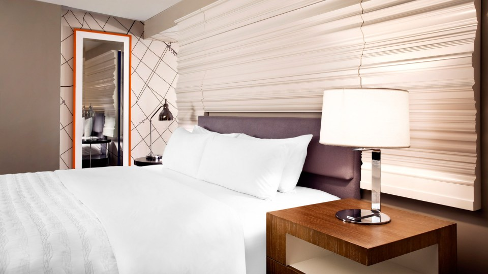 Le Méridien New Orleans Classic Guestroom