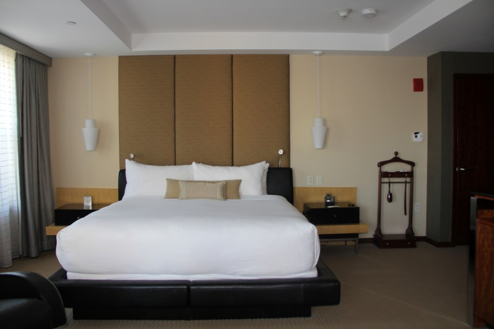 King Bed in the Executive Junir Suite
